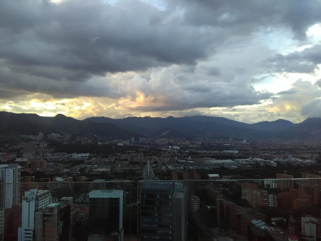 weather in may in medellin